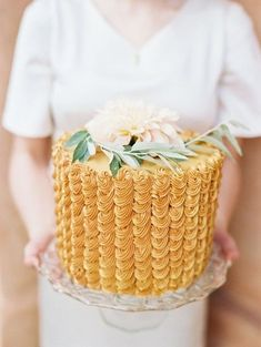 Simple, single Dahlia wedding cake #Mustard #Yellow #Wedding ... Wedding #ideas for brides, grooms, parents & planners ... https://itunes.apple.com/us/app/the-gold-wedding-planner/id498112599?ls=1=8 … plus how to organise an entire wedding, without overspending ♥ The Gold Wedding Planner iPhone #App ♥ http://pinterest.com/groomsandbrides/boards/  for more #yellow #wedding #inspiration.