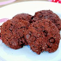 Cookies de abacate e cacau (vegan)