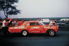 We take a look at the career of drag racing's consummate underdog, Arnie Beswick as he shares some photos and memories of racing.