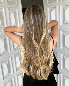 Honey Blonde Hair, Blonde Hair Looks, Blonde Hair With Highlights, Brunette Hair, Brown Hair Balayage, Natural Blonde Balayage, Honey Balayage, Aesthetic Hair, Blonde Aesthetic