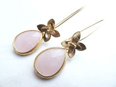 Lange oorbellen - gold color earrings with teardrop beads (S-668a) - Een uniek product van DomesDesign op DaWanda