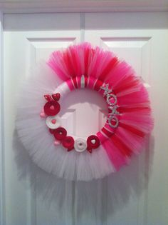 I hate Valentines Day, but I just might make this wreath Hate Valentines Day, Valentine Day Wreaths, Valentine Day Crafts, Valentine Decorations, Holiday Wreaths, Holiday Crafts, Valentine Ideas, Funny Valentine, Wreath Crafts