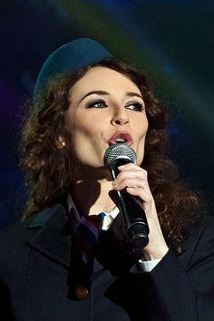Description de l'image  Elsa Lunghini - chanteuse française - Lyon - France - 6 fevrier 2012 - DSC0563.jpg.