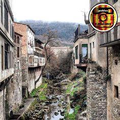 La Menció d'avui és per  @aalme86  amb  una foto preciosa de Sant Feliu de Pallarols  Enhorabona    Us convidem a que visiteu la seva gran Galeria i seguiu etiquetant els vostres pobles amb #poblescatalans i si voleu optar a les mencions seguiu-nos a @poblescatalans i molt important dir-nos quin poble és!  Moltíssimes gràcies !   Sant Feliu de Pallerols és una vila i municipi de la comarca de la Garrotxa a les Comarques Gironines. Situat a la vall d'Hostoles s'estén per les valls del riu…
