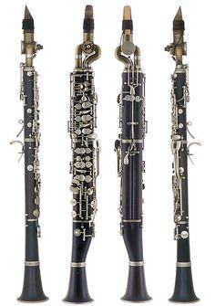 CLARINETE.  El clarinete pertenece a la familia del viento soplado y viento madera, al igual que la flauta, el oboe y el fagot.
