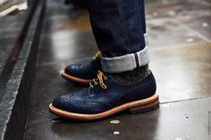 Black brogues, yellow laces
