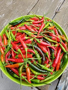 Thai Peppers, Green Beans, Stuffed Peppers, Vegetables, Food, Veggies, Vegetable Recipes, Meals, Stuffed Pepper