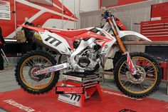 MXA PHOTO GALLERY OF THE 2013 HONDA CRF450 PROTOTYPE: PLUS TECH DETAILS | News | Motocross Action Magazine