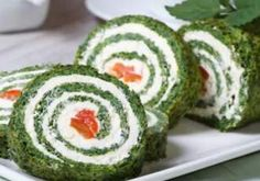 salmon Salat Minceur Spinach rolls 0 cream cheese and smoked salmon Salat Minceur Crown of ham Im doing this with pesto mozzarella cheese zucchini and tomato Voil&. Crab Stuffed Avocado, Tapas, Cottage Cheese Salad, Rye Toast, Spinach Rolls, Seafood Salad, Appetizer Salads, Wrap Sandwiches, Easy Salads