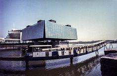 Centre d'histoire de Montréal - Activités annuelles Lausanne, Expo 67, Swinging London, Canada Eh, Famous Places, World's Fair, Marina Bay Sands, The Past, Louvre