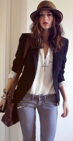 Casual chic jacket sleeves rolled. Blouse. Hat