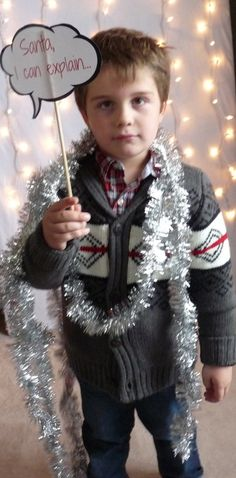holiday photo booth fun for kids! #diy