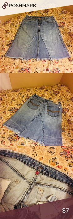 Miss Bisou Distressed Jean Skirt Size 3 Miss Bisou Distressed Jean Skirt Size 3  *used Waist 14 inches Length 21 inches Miss Bisou Skirts Midi