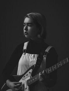 """Snail Mail's Lindsey Jordan Is the Wisest Teenage Indie Rocker We Know"" on Pitchfork Indie Pop, Indie Music, Indie Rock Outfits, Guitar Girl, Female Guitarist, Portrait Poses, Badass Women, Van Halen, Snail Mail"