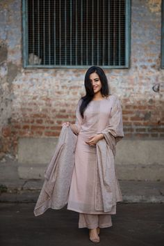 The Lotus Collective Ethnic Outfits, Indian Outfits, Indian Clothes, Trendy Outfits, Indian Attire, Indian Wear, Pakistani Dresses, Indian Dresses, Indian Designer Suits