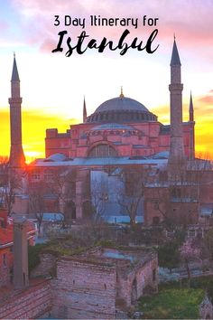 Hagia Sophia Sunset – How to Spend 3 Days in Istanbul Itinerary, Turkey. Itinerary for visiting Mosques, Grand Bazaar, Bosphorus Cruise, Galata Tower, viewpoints + more, #istanbul