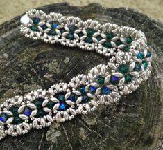 ----------ConnysPerlenParadies-----------: India -copyright Bibiche Twin Beads, Lace Jewelry, Bead Jewellery, Seed Bead Patterns, Beads And Wire, Bracelet Patterns, Jewelry Patterns, Peyote Armband, Super Duo Beads