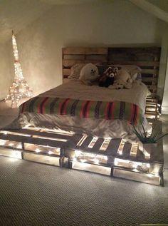 Nice 24 DIY Glowing Pallet Bed Ideas https://architecturemagz.com/24-diy-glowing-pallet-bed-ideas/