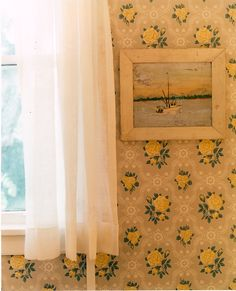 26 ideas farmhouse wall paper yellow for 2019 Yellow Cottage, Rose Cottage, Cottage Style, Toriel Undertale, Rose Wallpaper, Flowery Wallpaper, Beautiful Wallpaper, Print Wallpaper, Yellow Houses