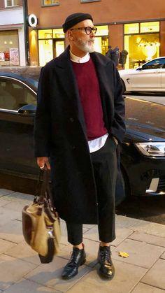 casual mens fashion that is trendy. Look Man, La Mode Masculine, Kim Jisoo, Herren Outfit, Raincoats For Women, Men Street, Smart Casual, Men Casual, Stylish Men
