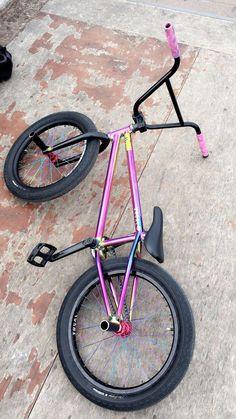 "Mongoose Index 20 ""Freestyle Bike – Silber - Fahrrad Bicycle Paint Job, Bicycle Painting, Bmx Bicycle, Mtb Bike, Bike Ride Quotes, Bmx Videos, Bmx 20, Black Bmx, Gt Bmx"