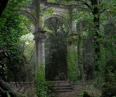 Lucinda said: (I love your image of the ancient ruins Elle. there is something quite magical about it! Abandoned Castles, Abandoned Mansions, Abandoned Places, Ancient Ruins, Ancient Rome, Old Buildings, Abandoned Buildings, Beautiful World, Beautiful Places