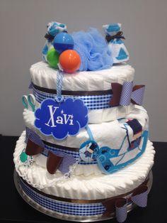Diaper cake for a boy. Tarta de pañales. DIY