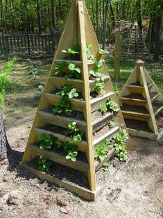 Strawberry Tower! this would be soooo great for lemon cucumbers