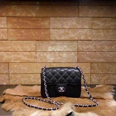 Chanel handbag mini (black) caviar