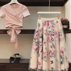 High quality Women Irregular T Shirt+Mesh Skirts Suits Bowknot Solid Tops Vintage Floral Skirt Sets Elegant Woman Two Piece Set Elegant Woman, Tops Vintage, Vintage Floral, Vintage Skirt, Mesh Skirt, Flared Skirt, Swing Skirt, Mode Hijab, Indian Designer Wear