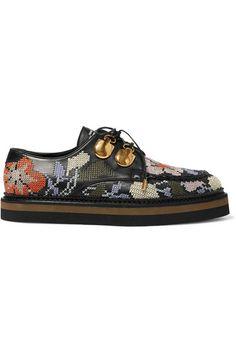 ALEXANDER MCQUEEN Embroidered Leather Platform Brogues. #alexandermcqueen #shoes #flats