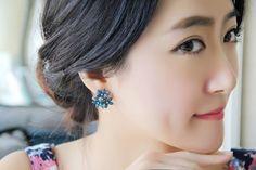 Crystal Stud Earrings 3 Flower Red Blue Black Brincos Pendientes Earrings
