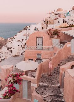 A Relaxed Guide to Santorini: The Dreamy Greek Island been dreaming of. A Relaxed Guide to Santorini: The Dreamy Greek Island been dreaming of wandering the dreamy streets of Santo Wedding Destination, Destination Voyage, Landscape Photography, Travel Photography, Street Photography, Photography Tips, Adventure Photography, Nature Photography, Aloita Resort