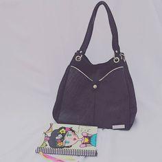 De cuero negro y herrajes plateados.  Asomate a la tienda http://ift.tt/2er7fAW  #leatherbags #lumiere #modafemenina #itgirlstyle #it #tendencias #accesorios #carteras #verano2017 #instamoda #ideaslook #bags #fashionblogger #fashionbag #onlineshop