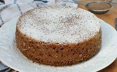 La torta morbida caffe' e rum è profumatissima ed estremamente morbida grazie alla presenza della ricotta nell'impasto. Perfetta per colazione.