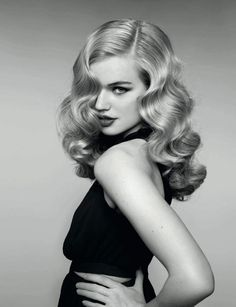 Long hair with waves like the late Actress Veronica Lake. Love it!!!! 85 coupes tendance de la rentrée