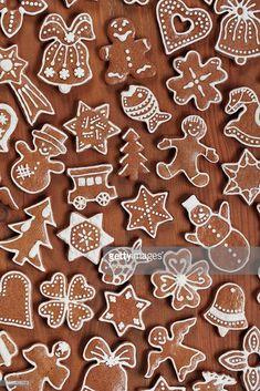 Various gingerbread cookies on wooden background. Easy Gingerbread Cookies, Gingerbread Decorations, Christmas Gingerbread, Gingerbread Houses, Christmas Cooking, Christmas Desserts, Christmas Treats, Cream Crackers, Halloween Cookies Decorated