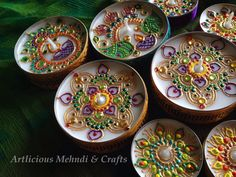 Bright & beautiful diwali theme jumbo & small tealights decorated with henna art ❤️great for mehndi nights aswell! Follow artlicious mehndi & crafts on Facebook for more henna work https://www.facebook.com/Artlicious.Mehndi.786