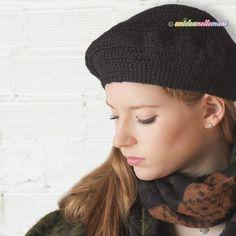Come fare un basco all'uncinetto che va bene sempre Knitted Hats, Knit Crochet, Abs, Beanie, Sewing, Knitting, Capellini, Pattern, Fashion