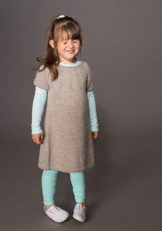 Knitting For Kids, Free Knitting, Knitting Patterns, Baby Barn, Dress Skirt, Free Pattern, Sweaters, Mini, Outfits