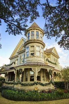 Queen Anne house built in 1895 - St. Charles Ave. @ Audubon Park, New Orleans, LA