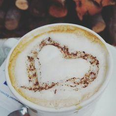 Desyuno con amor Hummus, Glass Of Milk, Ethnic Recipes, Amor