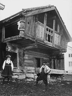 Rough architecture & peasant garb Loft in Setesdal, photography by Axel Lindahl, 1890