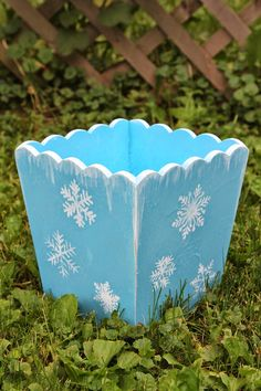 FROZEN movie Trash Can Makeover