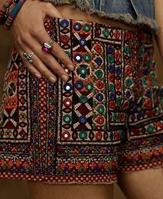 ╰☆╮Boho chic bohemian boho style hippy hippie chic bohème vibe gypsy fashion indie folk the . Mode Hippie, Bohemian Mode, Boho Gypsy, Hippie Boho, Bohemian Style, Hippy Chic, Boho Chic, Vetement Hippie Chic, Indian Fashion