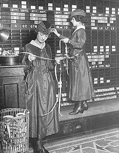 """Girls operate stock boards at Waldorf-Astoria. The Waldorf-Astoria Hotel is employing girls to operate tickers and stock exchange boards. The Waldorf is the first to employ girls in its various departments, in order to release men for war work. Vintage Pictures, Old Pictures, Old Photos, Women In History, World History, Ancient History, Waldorf Astoria, Jolie Photo, Interesting History"