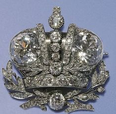 Royal Jewels of the World Message Board: New acquisitions by the Amalienborg Museum Fabergé coronation brooch, originally a gift from Tsar Nicholas II to Princess Elisabeth of Denmark's great-grandmother Grand Duchess Anastasia. Edwardian Jewelry, Antique Jewelry, Vintage Jewelry, Royal Jewelry, Sea Glass Jewelry, Art Deco Jewelry, Fine Jewelry, Antique Engagement Rings, Tiaras And Crowns