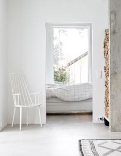 Minimal bedroom while still being cozy  - White dosent mean plain and boring - #designlove #bedroom #serenity #clearliving