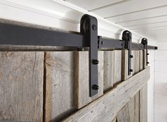 LADON Ovi Kiskomekanismi + pyörästö hidastimilla - Mirror Line Door Handles, Doors, Mirror, Home Decor, Barn, Bedroom, Inspiration, Auction, Door Knobs