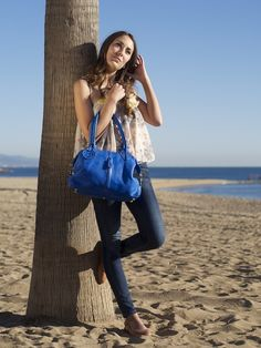 A model showing off one of our navy bags Navy Bags, Longchamp, Women's Bags, Tote Bag, Stylish, Model, Fashion, Moda